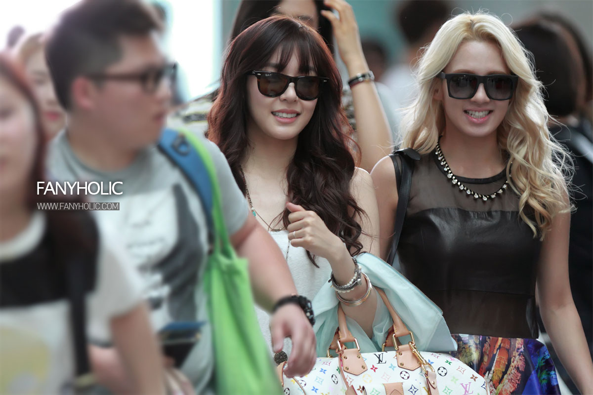 SNSD Tiffany Incheon Airport to Singapore