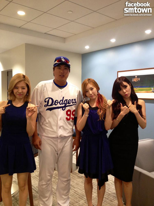 Girls Generation LA Dodgers Korea Day