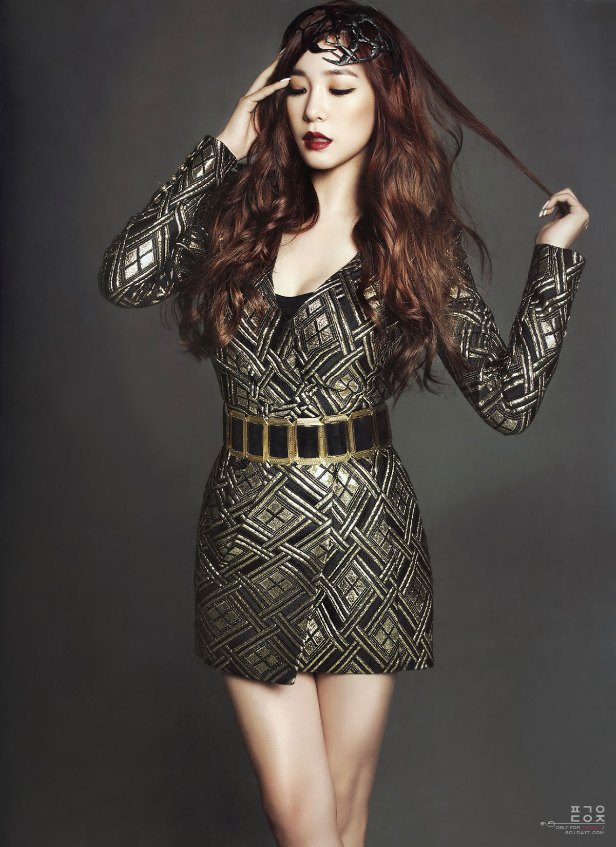SNSD Tiffany Harpers Bazaar Magazine January 2014