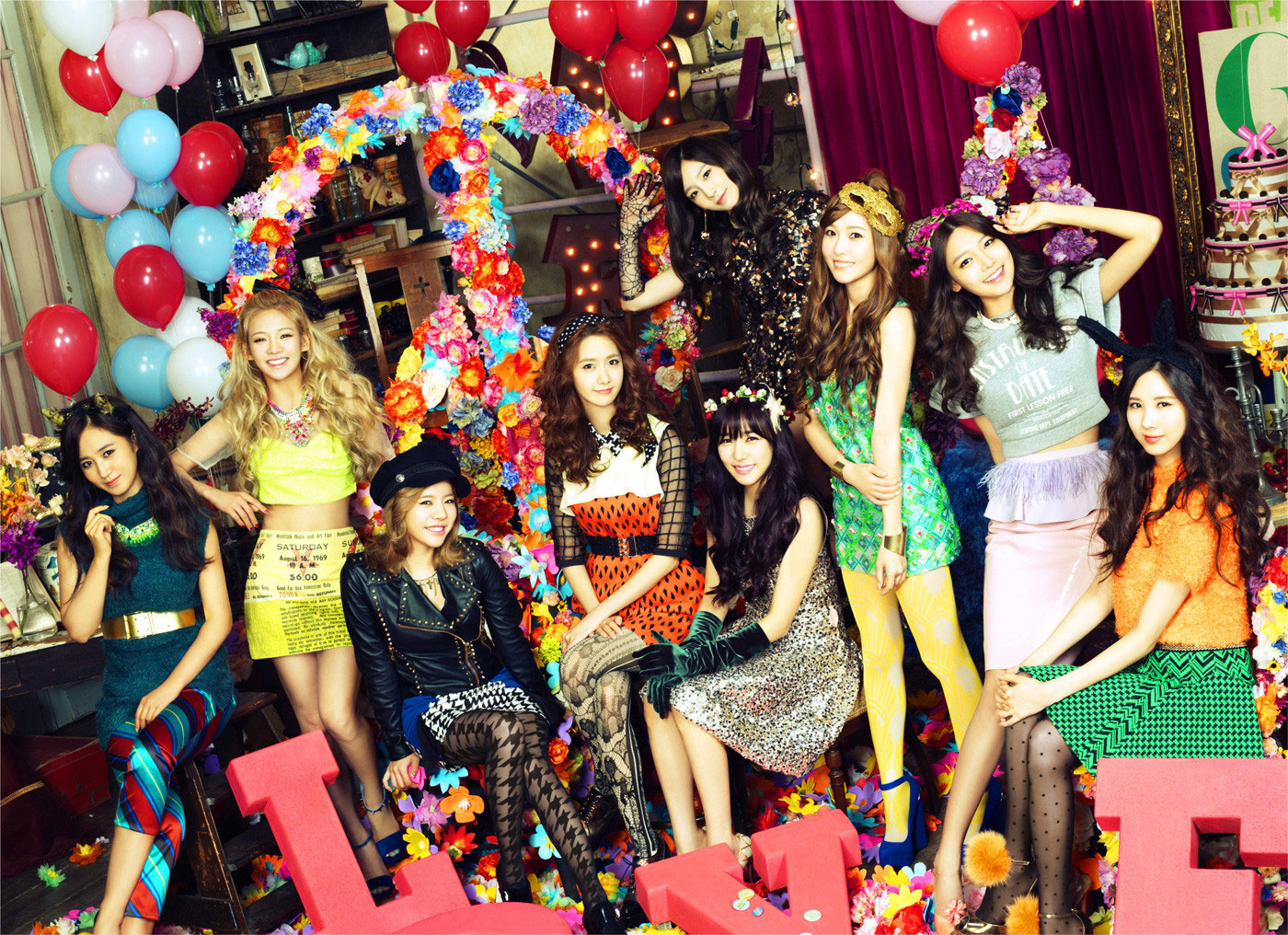 SNSD Love Peace Japanese album