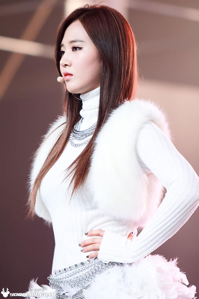 Yuri MBC Gayo Daejejeon 2013 Yoonyul